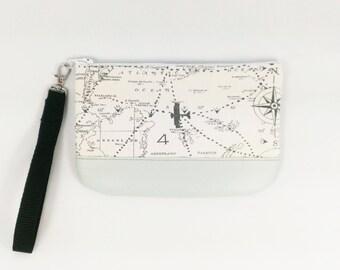 World Map Purse Travel Gift Vegan Wristlet Gray Wristlet Aviation Gift Travel Wristlet Handmade Wristlet World Map Bag World Map Gift clutch