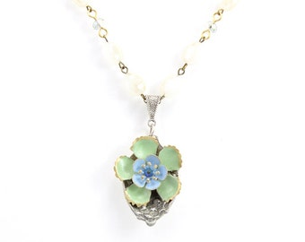 Green Beaded Necklace - Flower Jewelry Necklace – Silver Brass Spoon – Bohemian Everyday Fashion Necklace - Hawaiian Nature Necklace - U5
