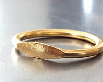 18K Gold Signet Ring - Unisex Ring - Modern Stacking Gold Ring - Trendy Classic Timeless Ring - Handmade Gold Rings