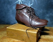 Vintage Leather Ankle Boots 1980s  - Brown Leather Booties 80s - Grunge Boots - Lace Up Granny Boots - Size 8.5 Euro 39 UK 6