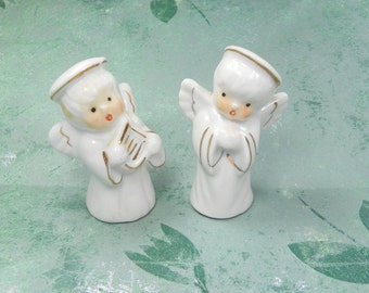 VINTAGE 1950s White Ceramic Angel Salt Pepper Shakers Angels S&P Gold Trim Halo Pray Harp Wing Mid Century Americana Angel Christmas Gift