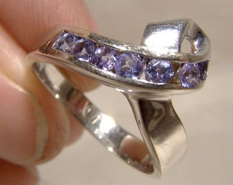 14K White Gold Tanzanites Ribbon Ring 14 K Size 7-1/2 Channel Set Light Purple Custom Made