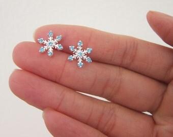 Sterling Silver Snowflake Earrings, Mother Gift, Sister Gift, Christmas Gift, Blue Christmas, Christmas Theme, Silver earrings, dainty