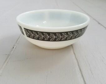 Vintage Pyrex Bowl small