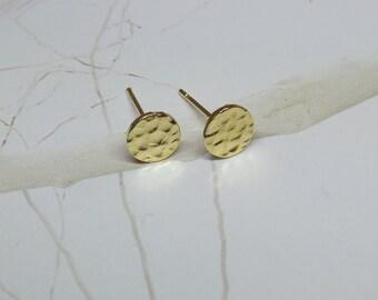 Disc stud earrings, Gold disc stud earrings, Hammered disc stud earrings, Gold disc post earrings, Hammered gold disc earrings, Gold studs