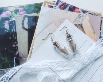 Origami plane earrings - Gift for traveller - Airplane earrings - Travel jewelry - Adventure jewelry