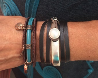 Leather Bracelet, Stackable bracelets, Wife Gift, Joanna Gaines Jewelry, Leather Wrap Bracelet, uno de 50, stacking bracelets,