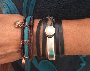 Leather Bracelet, Stackable bracelets, Wife Gift, Joanna Gaines Jewelry, Leather Wrap Bracelet, uno de 50, stacking bracelets, wrap, wraps