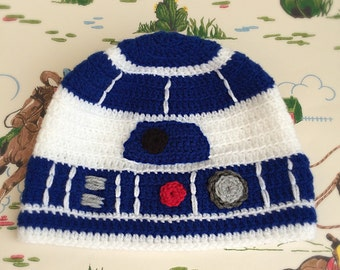 R2D2 inspired Star Wars hat! Crocheted to fit all sizes, from newborn to adult! Photography prop.