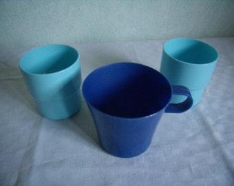 Vintage set 3 plastic cups blue for picnic, Camping, or snack for children