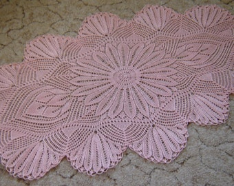 Hand knitted pale pink doily. Hand knitted tablecloth. Handmade decoration. Pure cotton.  Oval doily. 100x53cm