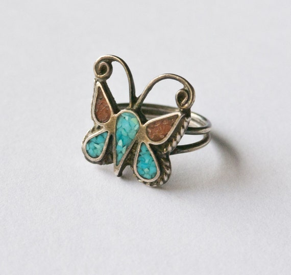 Vintage Petite Crushed Chip Inlay Turquoise and Coral Butterfly Ring