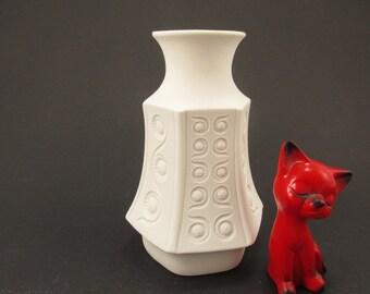 Modernist bisque porcelain vase white vase by Schumann Arzberg Bavaria, German Pottery, mid century modern, op art, 60s