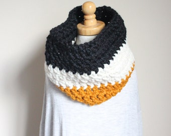READY TO SHIP Chunky Multi Colored Women's Cowl