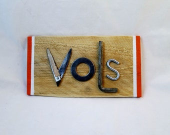 Tennessee Volunteers Sign, UT Vols decor perfect for the dorm room, bar, or man cave.