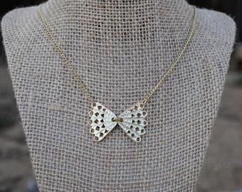 Gold Filigree Bow Necklace