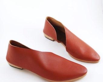 The Sandy. Soft Mahogany. Handmade Flats.