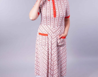 Small Horseshoe - 60's vintage dress