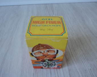 REDUCED Avon vintage high flyer soap on a rope in original box (01387)