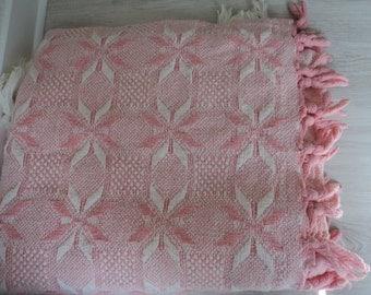 REDUCED BARGAIN - Vintage Columbus Italian bedspread or throwover (02089)