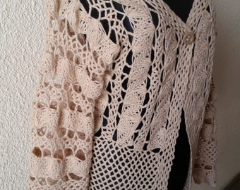 Light brown / cream/ beige buttoned sweater / cardigan knitted with the netting fork fastened with one button