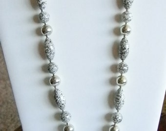 Gray Speckled Beaded Silver Tone Accents Necklace