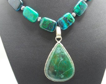 Handmade Chrysocolla necklace with pendant.