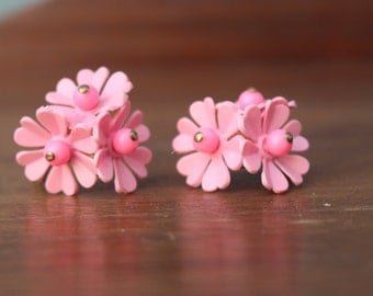 Vintage Retro Pink Floral Clip On Earrings