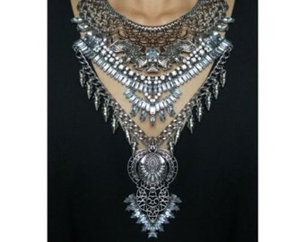 Zara statement necklace with chain and rhinestone details