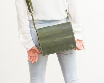 Green leather bag, handmade in germany