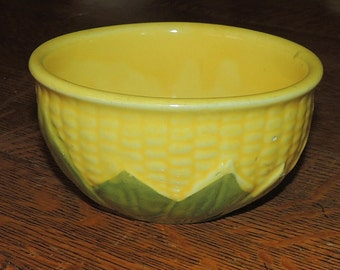 Vintage Shawnee Pottery Corn King Pottery Bowl