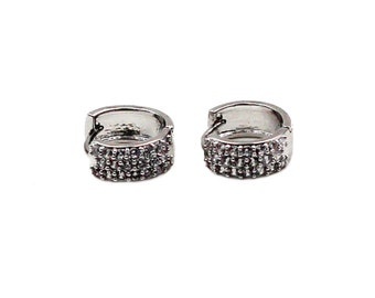 Classy little crystal stone silver earrings
