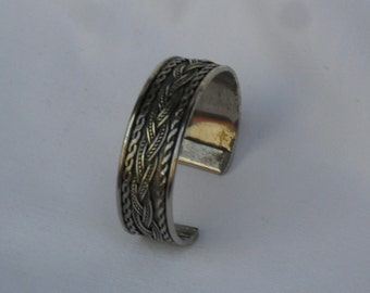 Retro Hippie metal bangle cuff, Silver Tone Textured Bracelet, beautifully decorated! 70's