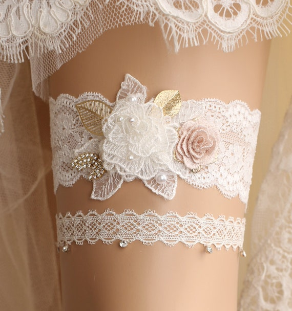 Lace Wedding Garters: Wedding Garter Set Bridal Garter Set Lace Garter Set Ivory