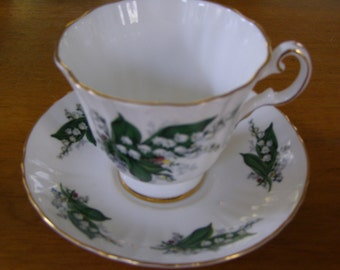 Vintage Royal Grafton bone China Tea Cup & Saucer