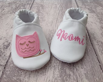 Pink Owl faux leather baby shoes personalized with name - Non slip sole