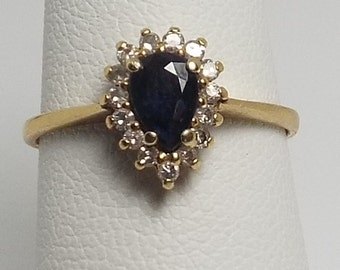 Beautiful Estate Natural Sapphire and Diamond Ring,14 k yellow gold, size 6.25