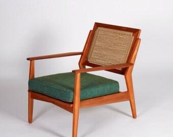 PETALUMA Cord-Backed Chair