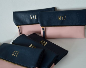Set of 5 Monogrammed Clutches / Bridesmaids Gift / Personalized Clutch Bags / Wedding Accessories