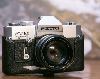 Petri FT EE 35mm SLR Camera with Leather Case #SLR5