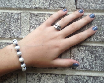 Pearl and leather bracelet