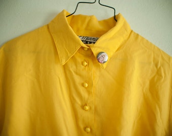 Vintage Yellow Tie Up Crop Top Blouse with Dolly Parton Pin