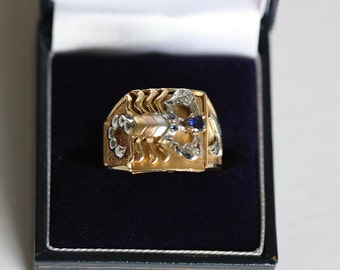 Large Gents 18ct Gold ring with Scorpion
