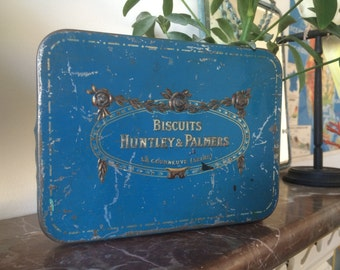 "Old box ""Biscuit Huntley & Palmers"""