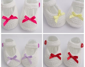 Baby Girl White Hand Knitted Shoes 0-3 months