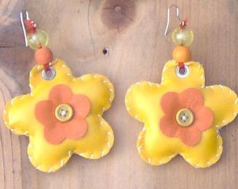 """Earrings: """"flower yellow/orange"""""""