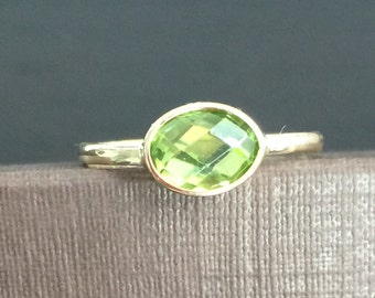 14k solid yellow gold and green peridot ring, oval stone, checkerboard cut