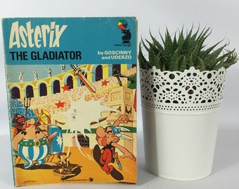 Asterix & The Gladiator. Vintage Comic Books 1974. Christmas Gift.