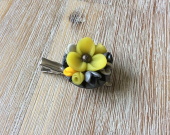 Floral brooch / Hairclip in polymer clay
