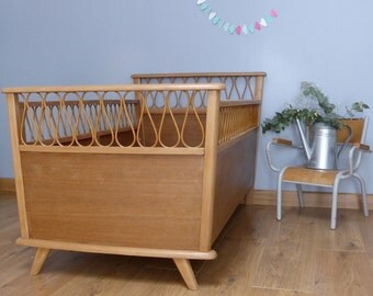 Baby bed wood and wicker - foot compass